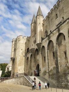 Pápežský palác: Gotická pevnosť