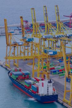 Uvnitř singapurského přístavu